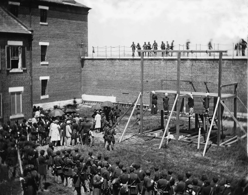 Execution of the Lincoln conspirators, 1865 6